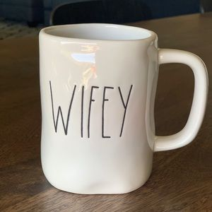 Rae Dunn 'WIFEY' mug